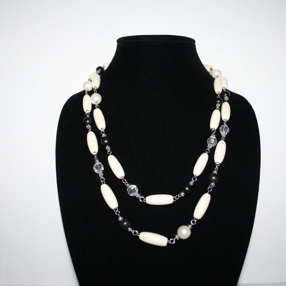 "Vintagejelyfish Jewelry - 48"" silver and painted wood necklace"